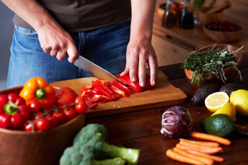 Tábua de corte: aprenda mais sobre um dos utensílios mais usados na sua cozinha