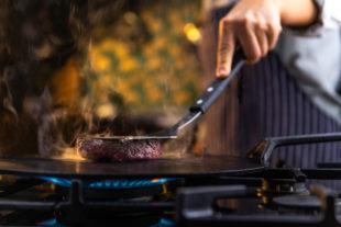 4 formas de fazer churrasco sem ter churrasqueira