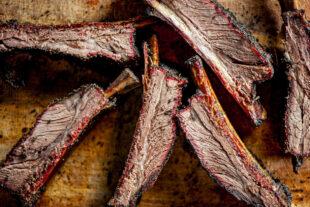 Costela bovina: o que você precisa saber para escolher o pedaço certo para o seu churrasco